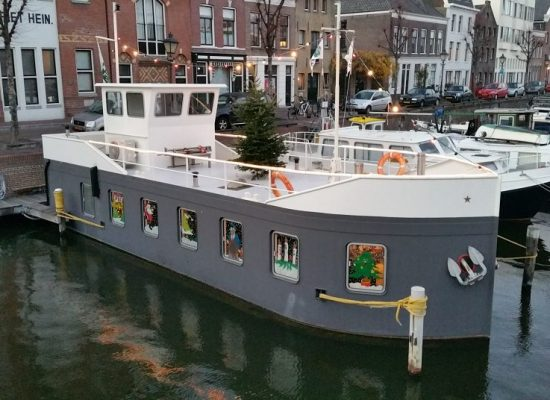 Kerst, VLD, Jachthaven, Delfshaven, Rotterdam, Havenkantoor, Kerstversiering, Verenigde liggers delfshaven, Passanten, moterboten, zeilboten, ligplaatsen